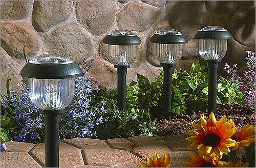 Luces en tu jard n decoracion - Iluminacion jardines pequenos ...
