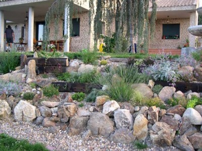 Jardin de rocalla como tenerlo - Rocas para jardin ...