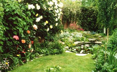 Algunas ideas para jardines peque os - Accesorios para jardines pequenos ...