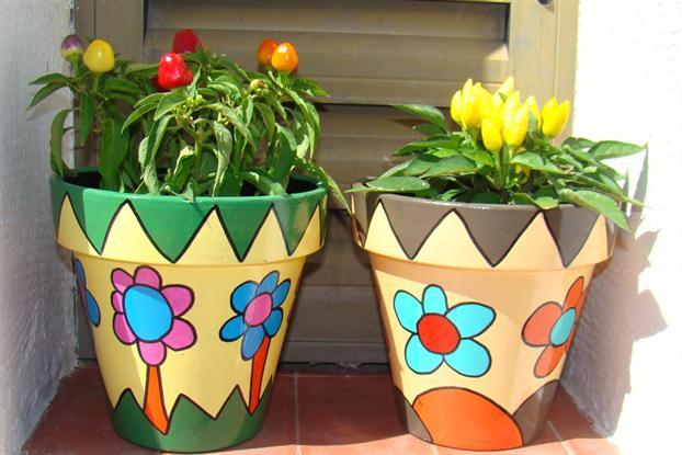 Macetas para tu jard n for Como decorar un jardin con macetas
