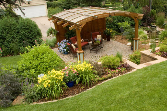 9 ideas de p rgolas para el jard n for Ideas de patios y jardines