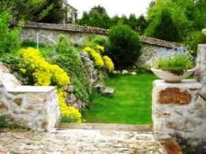 Piedras en el jard n - Como decorar jardines con piedras ...