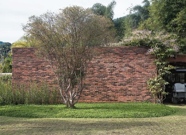 Un jardín integrado en un bello paisaje 6