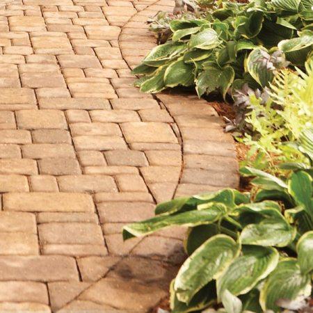 C mo construir un camino de ladrillos o piedras for Caminos en jardines