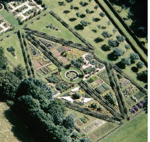Jardín Painswick Rococo 6