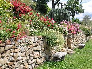 Muretes en el jard n for Pierres pour muret de jardin