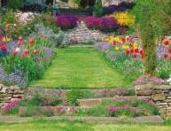 imagen Un jardín con pendiente