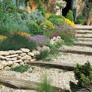 Escaleras en el jardín 7