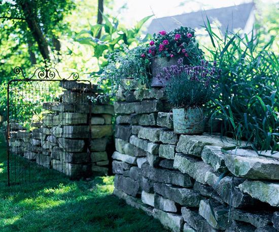 Paredes de piedra seca en el jard n gu a de jardiner a for Paredes de piedra para jardines