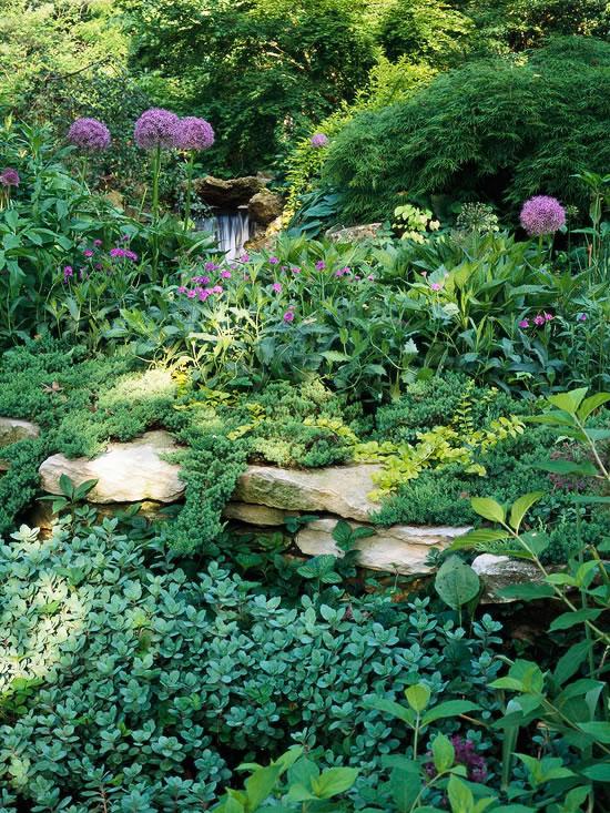 Paredes de piedra seca en el jard n for Jardines en paredes