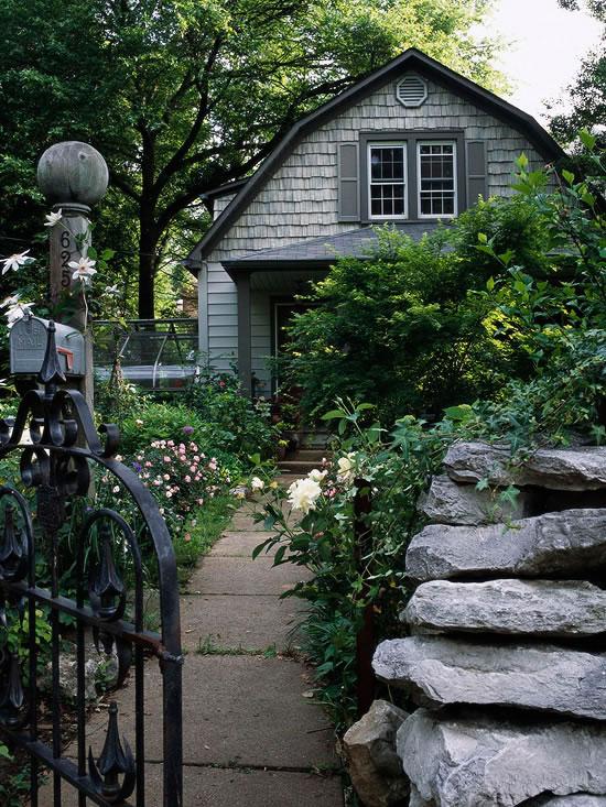 Paredes de piedra seca en el jard n for Jardines en piedra natural