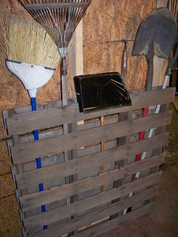 Ideas con palets para tu jard n for Listones de madera para palets