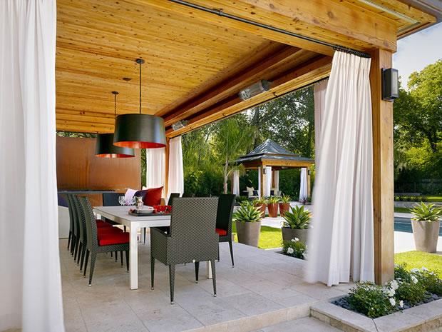 Ideas diy para tener m s privacidad en el jard n for Cortinas para terrazas exteriores
