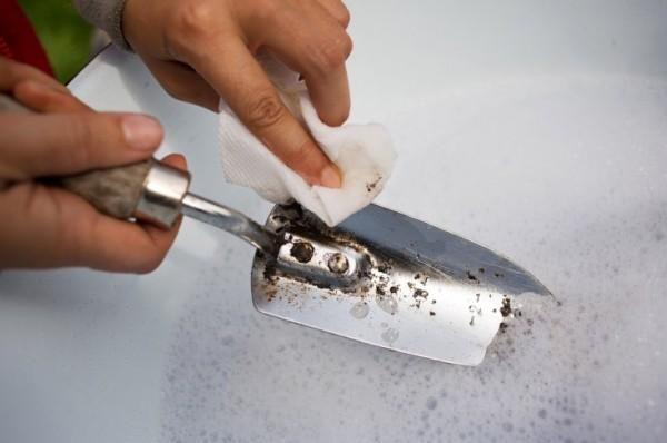 Limpieza herramientas de jardín 1
