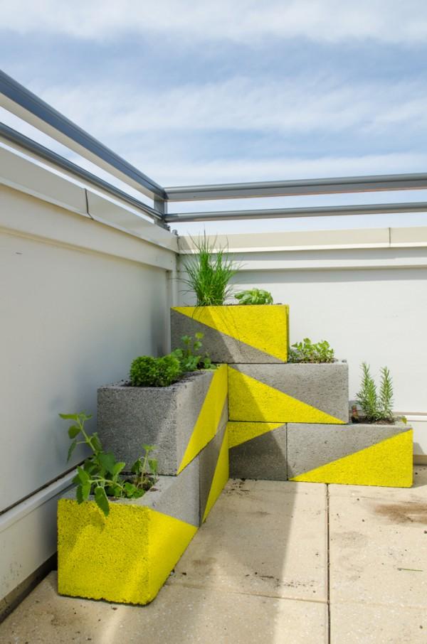 13 ideas con ladrillos para el jard n for Jardineras con bloques