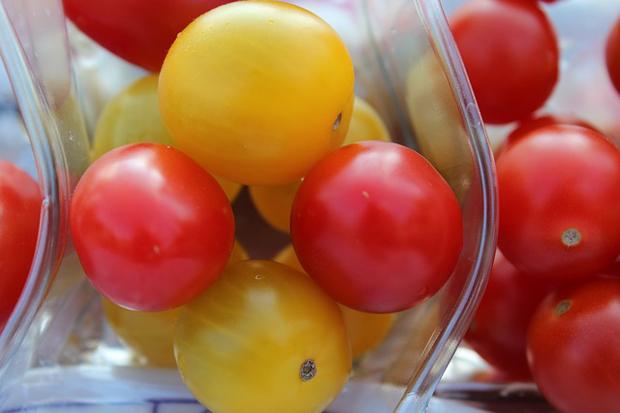 Tomate cherry amarillo 1