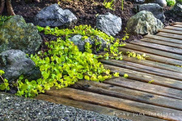 C mo hacer un camino para el jard n con palets for Como preparar el jardin
