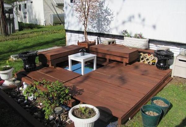 patios-con-deck-hechos-de-palets-01