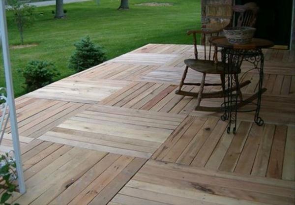 patios-con-deck-hechos-de-palets-03