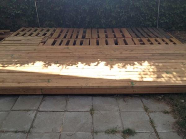patios-con-deck-hechos-de-palets-08