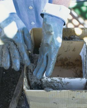 como-hacer-jardineras-y-macetas-de-hypertufa-05