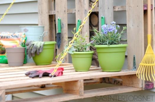 hacer-una-mesa-de-jardineria-con-palets-09
