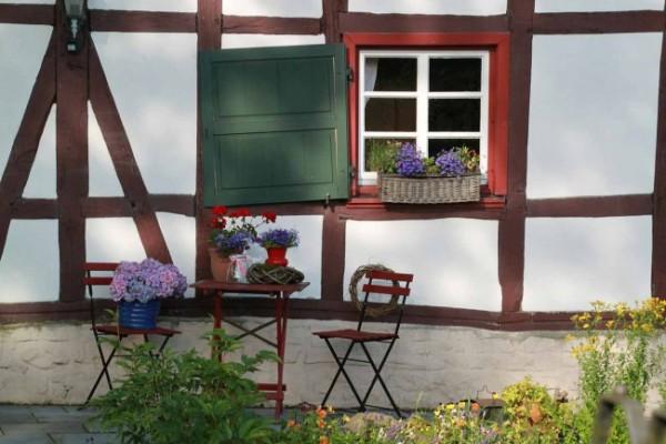 7-consejos-para-que-tu-jardin-parezca-mas-grande-02