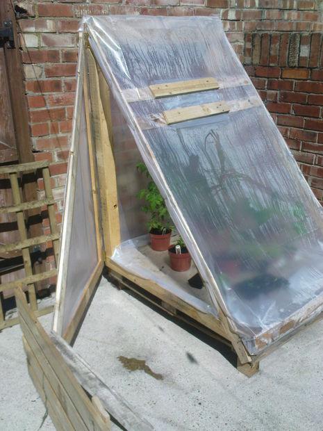 construye-un-invernadero-con-un-palet-01
