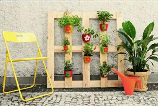 Maravillosas ideas con palets para el jard n for Jardin colgante con palets