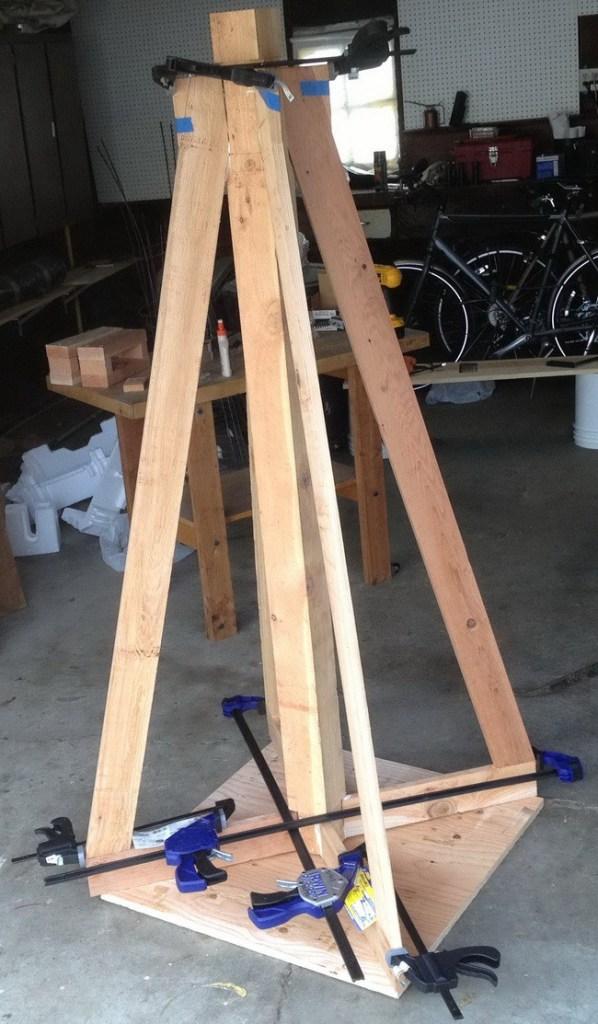 como-construir-un-jardin-piramidal-02