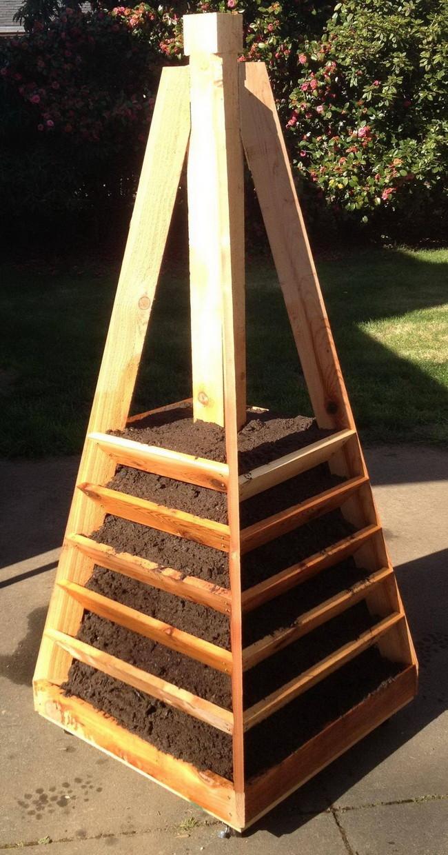 como-construir-un-jardin-piramidal-09