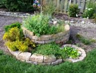 imagen Cómo crear un jardín de hierbas aromáticas en espiral
