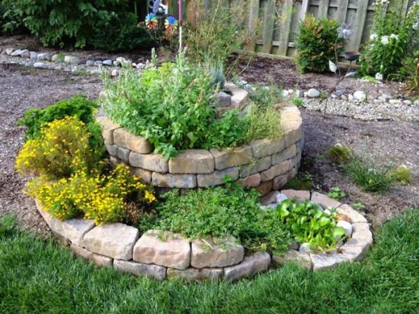 C mo crear un jard n de hierbas arom ticas en espiral for Como hacer un lago en el jardin