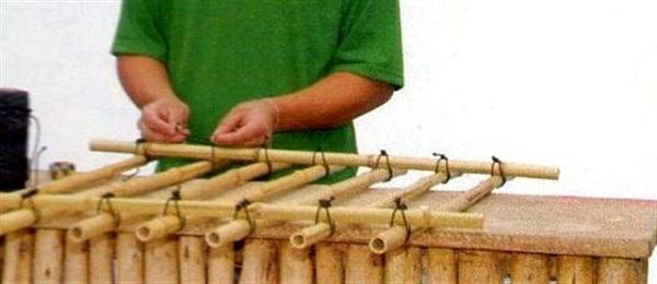 como-hacer-un-enrejado-de-bambu-05