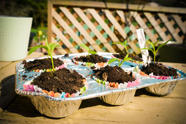 decora-tu-jardin-con-utensilios-de-cocina-10