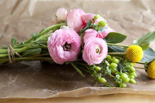 conservar-flores-con-laca-para-el-pelo-01