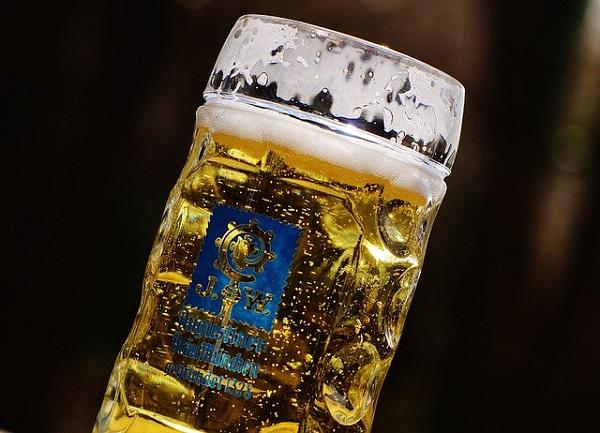 7 uses of beer in gardening 1