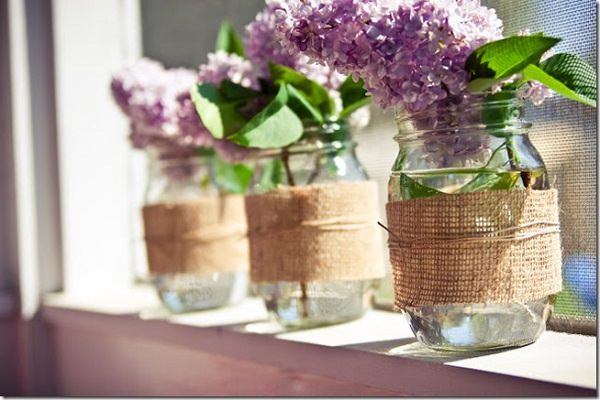 14 usos de la tela de arpillera en el jard n - Decorar macetas con arpillera ...