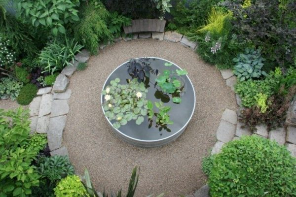 Tips to make your garden appear larger 1