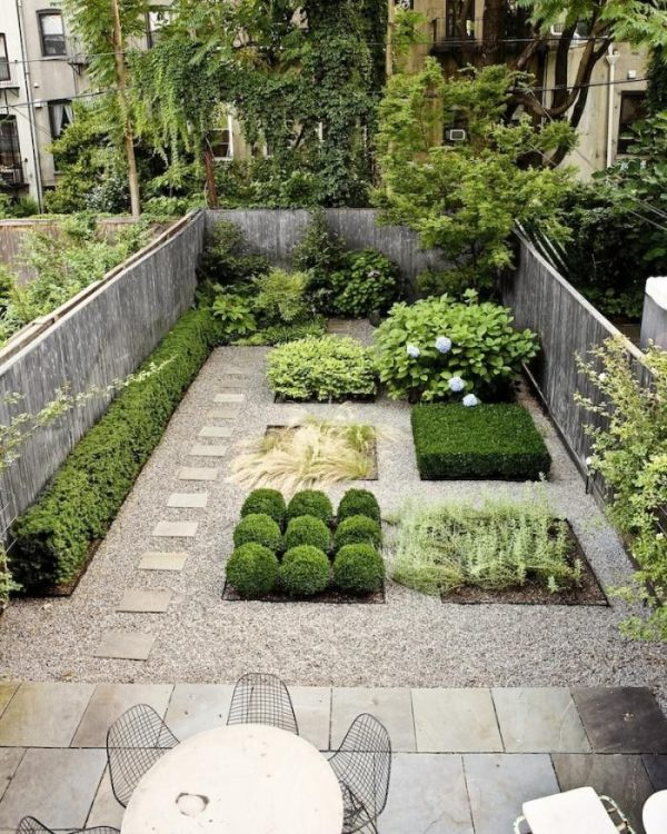 Tips to make your garden appear larger 2