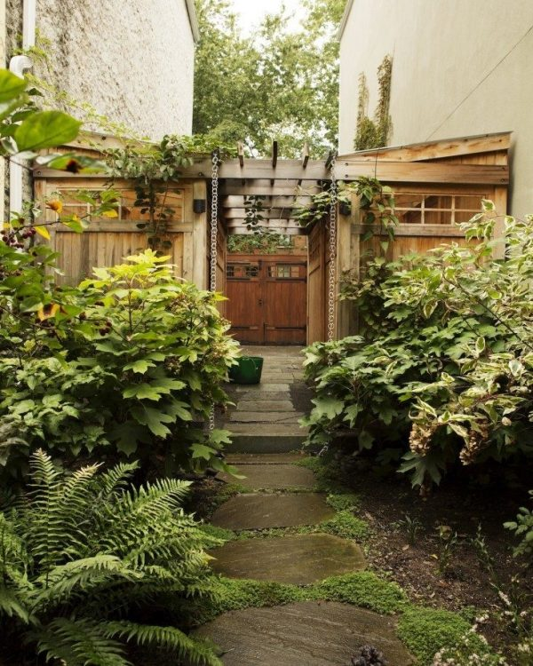 Tips to make your garden appear larger 8