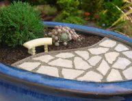 imagen Construir un patio en tu jardín en miniatura