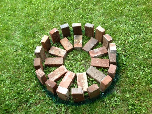 Built step-by-step your bonfire of garden 2