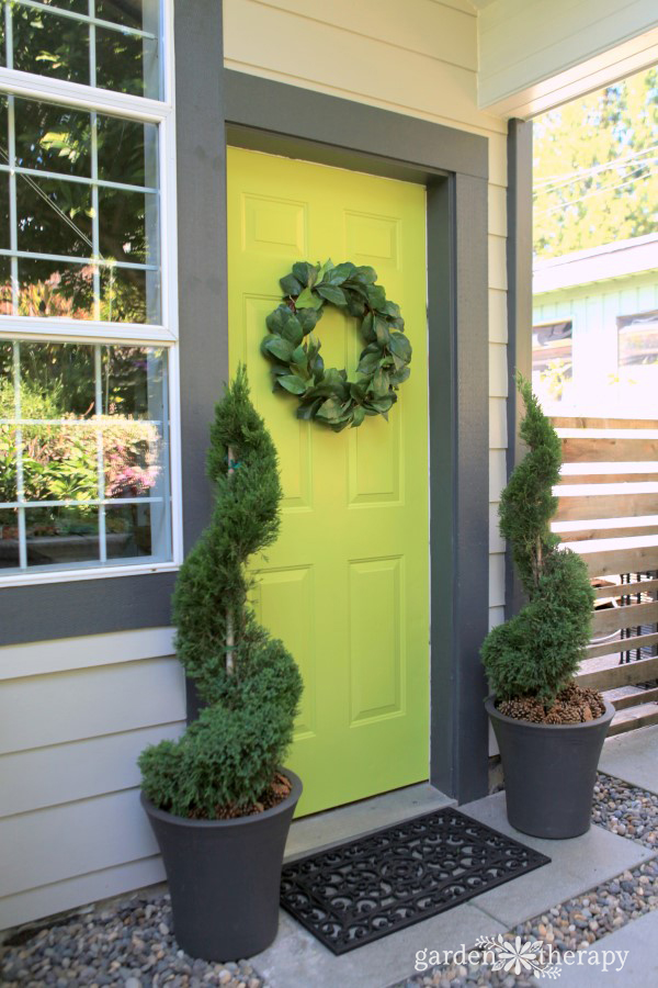 Care and maintenance of a topiary decorative 1