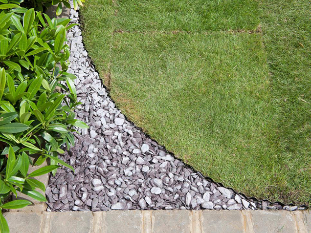 How to give shape to the lawn 7