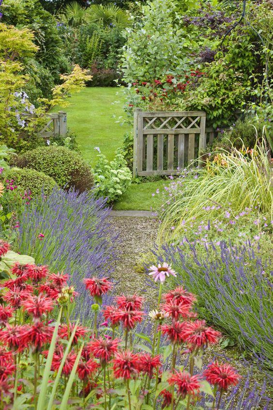 10 formas de usar grava en el jardín1